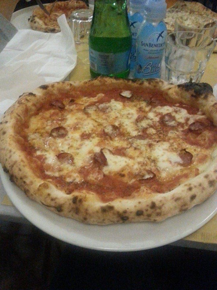 Pizza nero casertano