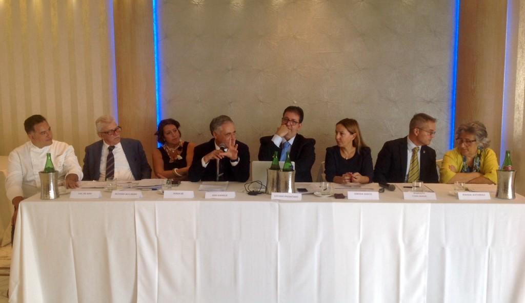 foto-tavolo-relatori