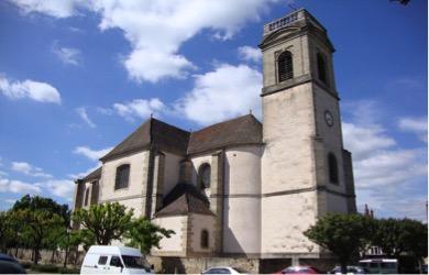 la-chiesa-di-pommard-e-il-suo-campanile