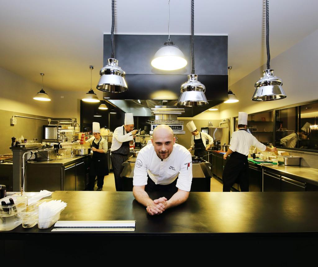 stefano-del-vecchio-nella-cucina-di-corso-trieste-restaurant
