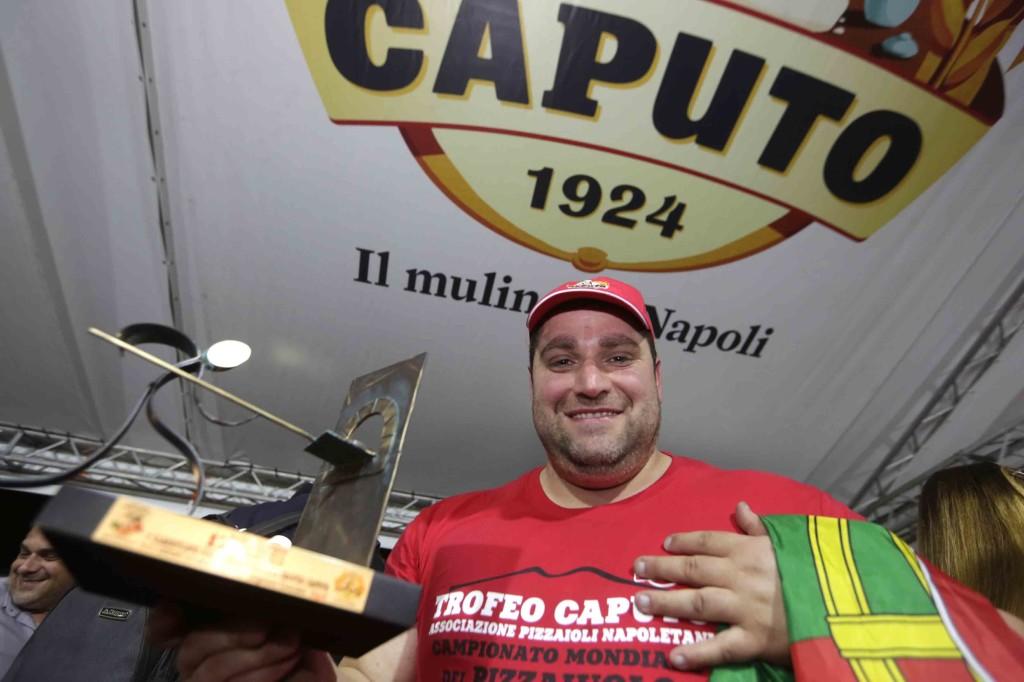 Trofeo Caputo:Antonio Mezzero campione del mondo dei Pizzaiuoli